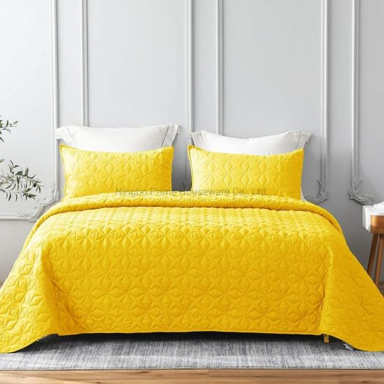 Hot Sale Customized Ultra Soft Microfiber Star Quilted Soft Microfiber Lightweight Bedspread Coverlet Bed Cover (Star Pattern) for All Seasons-Yellow