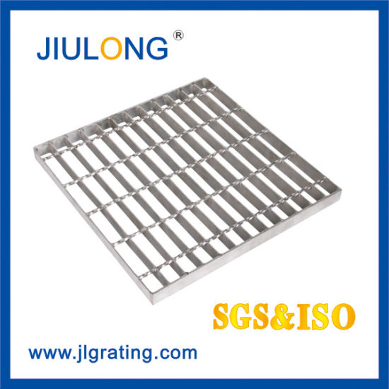 Hot DIP Galvanized Industrial Mill Finish Plain or Serrated Steel Walking Bar Grating with Ce Approval