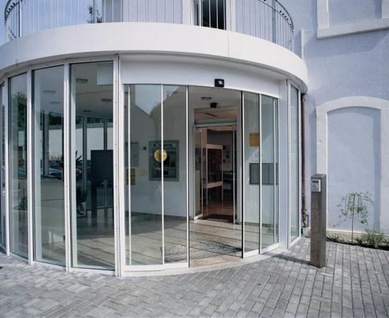 China Customised Size Automatic Operation Curved Glass Sliding Door