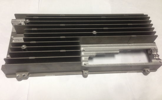 Aluminum Amplifier Heat Sinks with CNC Machining&Color Anodizing pictures & photos
