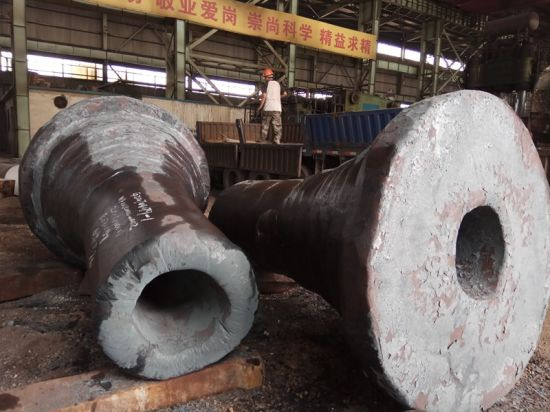 Alloy Carbon Forging Hollow Pipe Bushing Flange Shaft pictures & photos