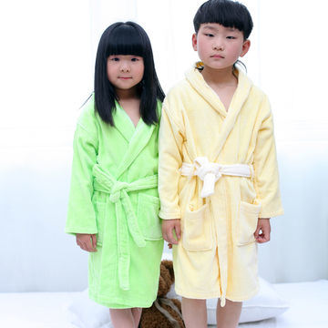 Promotional Hotel / Home Hooded Kids / Children / Baby Cotton Velvet Bathrobe / Pajama / Nightwear pictures & photos