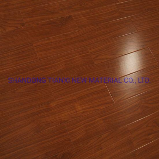 China Laminate Wooden Floor Laminated Floating Tile Flooring Home Flooring pictures & photos