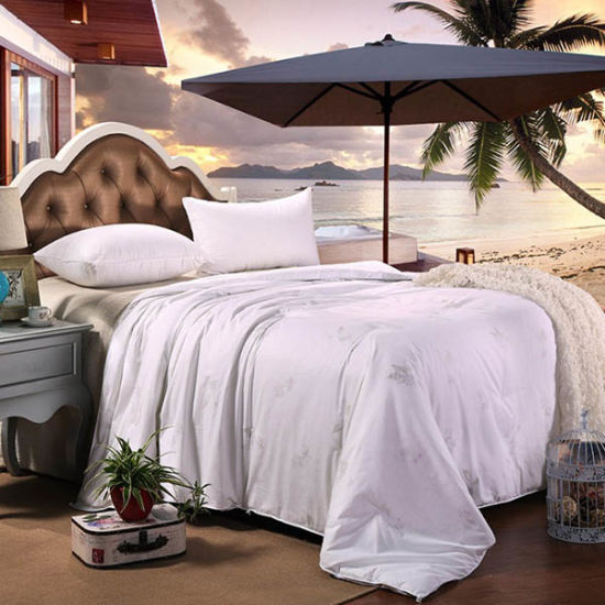 Luxury High Quality Silk Filling Duvet Comforter With 300tc Cotton Cover