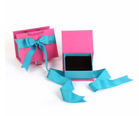 Set 5 in 1 Paper Gift Boxes with Handle pictures & photos