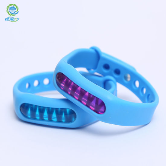 Anti-Mosquito Silicon Rubber Wristband Eco-Friendly Waterproof Bracelet with Plant Essential Oil pictures & photos