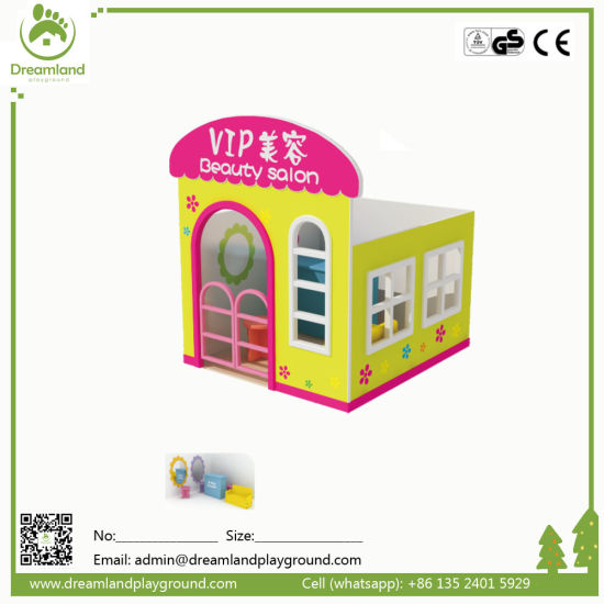 Beautiful Backyard Good Price Children Wooden Playhouse for Sale pictures & photos