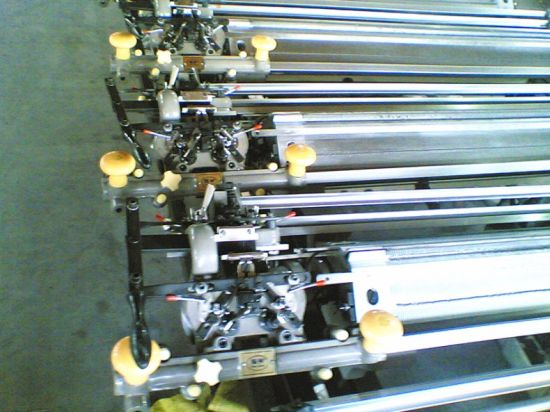 7g/9g/12g/14G/16g Manual Hand Driven Flat Knitting Machine pictures & photos