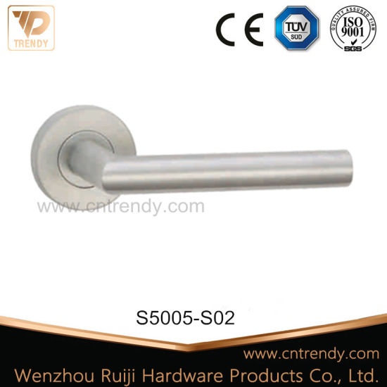 Stainless Steel Door Lever Handle in 304/201 Material (S5005/S02) pictures & photos