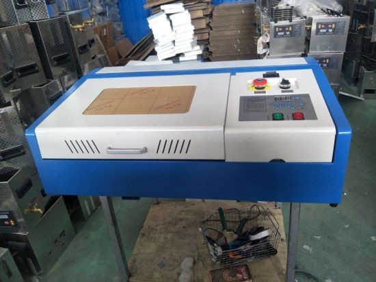 40W CO2 Laser Engraving Cutting Machine with USB Port pictures & photos