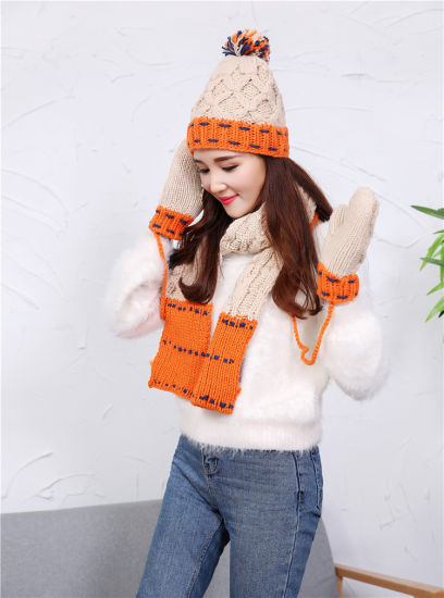 2017 Winter Warm Wool Hand Knitted Hat Scarves Gloves Set pictures & photos