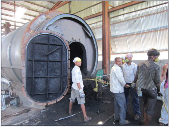 Medical Waste Reccyling Pyrolysis Plant Zero-Pollution Getting Furnace Oil pictures & photos
