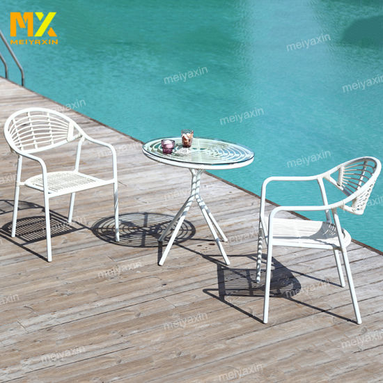 High Quality Outdoor Garden Dining Furniture with Fashion Table