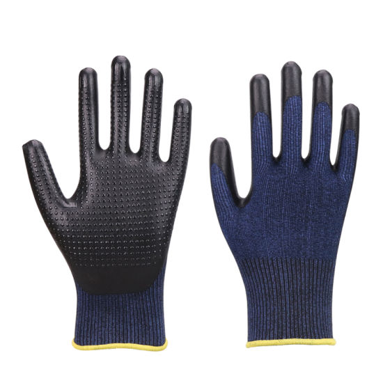 Black Nitrile Foam Gloves with Nitrile Dots, Work gloves, Safety Gloves pictures & photos
