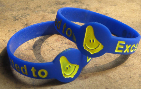 Hot Sales Customs Silicon Rubber Bracelet for Gifts pictures & photos