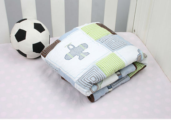 Patchwork Baby Quilt with Ship Car Plain Patterns for Baby Boy Very Cool pictures & photos