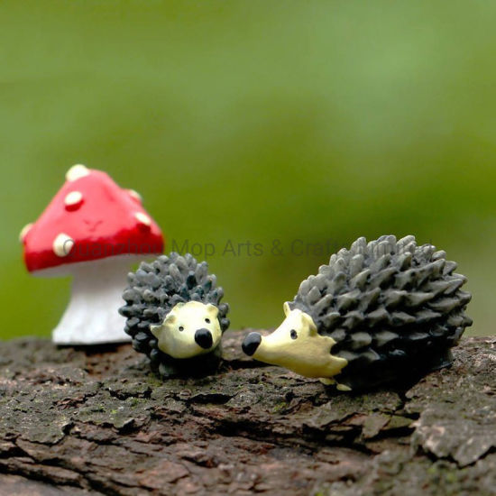 Artificial Mini Hedgehog with Red DOT Mushroom Miniatures Fairy Garden Gnomes Moss Terrarium Resin Crafts Decorations for Home