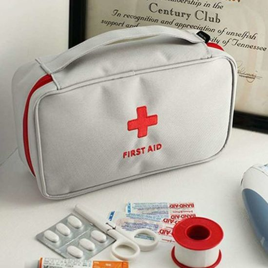 OEM China Factory Custom Home Emergency Portable First Aid Kit Emergency Kit Mask Band Aid Alcohol Cotton Gauze Bandage Cotton Stick Tweezers Aid