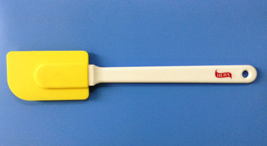 China Cake Decorating Use for Icing Silicone Rubber Spatula - China ...