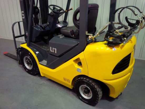 Un 1.5t LPG/Gasoline Forklift with Nissan K21 Engine pictures & photos