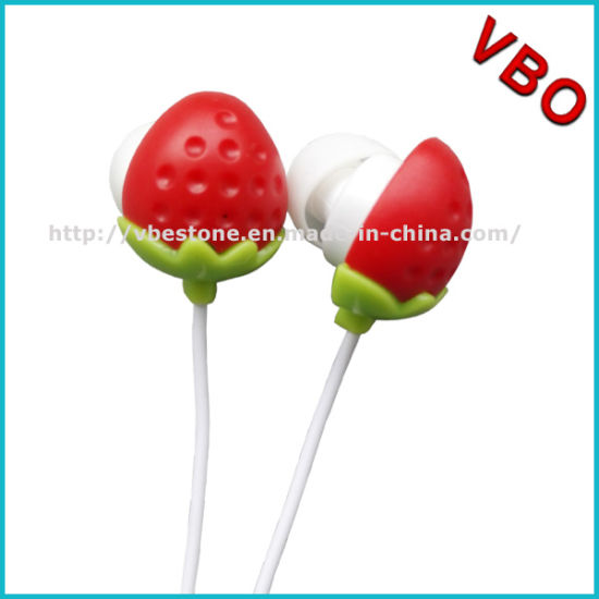 Lovely Cartoon Stawberry Earphones for Christmas Promotion Gift pictures & photos