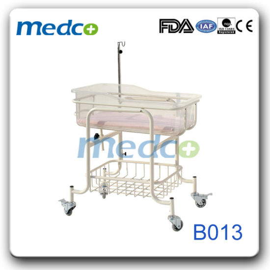 Hospital Adjustable Metal Basin Basket New Born Baby Crib with I. V. Pole