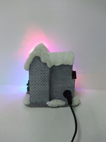 Good Quality Resin Musical Christmas House with LED pictures & photos