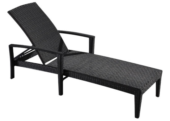 Outdoor Beach Furniture Hotel Poolside Rattan Sun Lounger pictures & photos