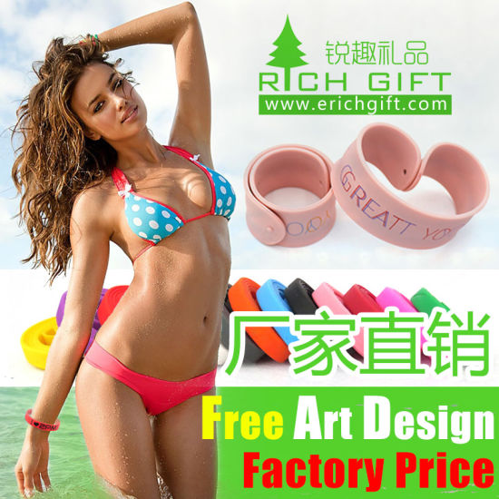 Customized Adorable Logo Silicone Wristbands as Gift on Valentine′s Day pictures & photos