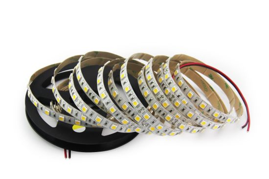 Flexible LED Strip 11.5W/M (IP20 or IP65) SMD5050-60LEDs/M pictures & photos