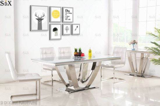 Luxury Modern Home Furniture Tempered Glass Dining Table with Stainless Steel Legs