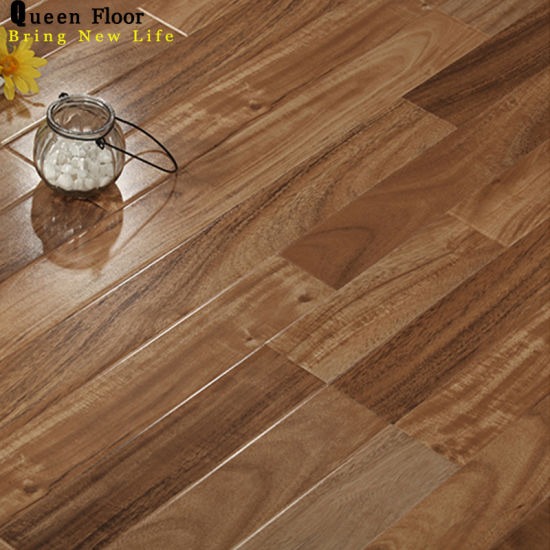 China Supplier Best Price 12mm Ac3 Mdf Mold Press 3 Strip High Gloss Laminate Wood Flooring