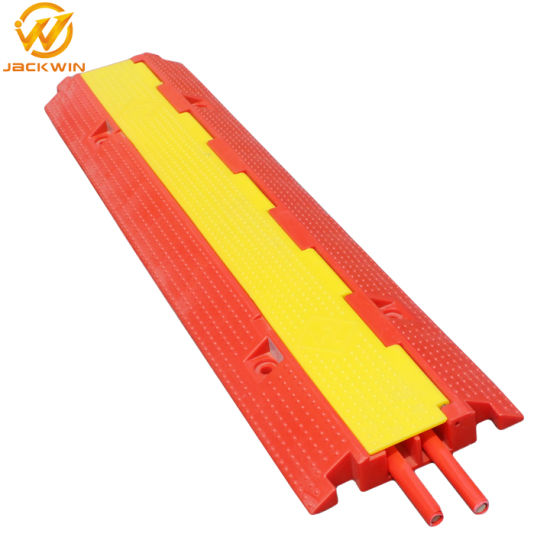 China 2 Channel PVC Cable Protector Ramp for Traffic Safety Stage