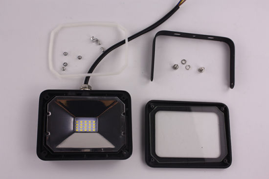 Energy Saving SMD 10W/20W/30W/50W LED Flood Light for Outdoor (SLFAP SMD) pictures & photos