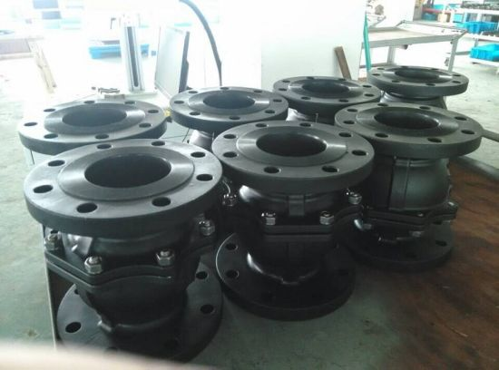 3PC DIN Pn16/Pn40 Flanged End Ball Valve pictures & photos