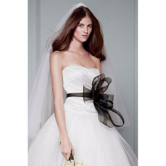 Luxurious Ivory White Black Decoration off-Shoulder Backless Strapless Court Train Bridal Gowns Wedding Dress