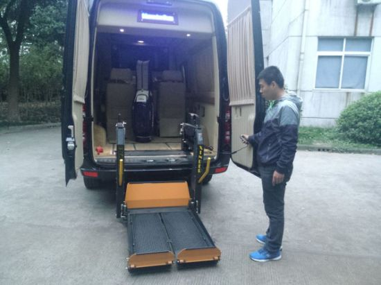 Electric Wheelchair Lift with Split Platform (WL-D-880S-1150) pictures & photos