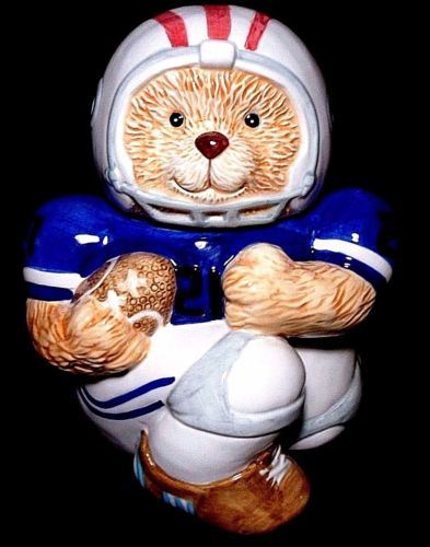 Teddy Bear Football Player Jersey Helmet Handpainted Ceramic Cookie Jar pictures & photos
