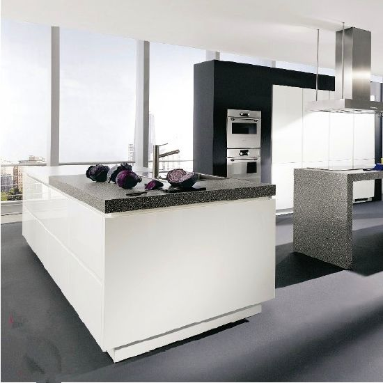 China High Quality Standard White Shaker Door Solid Wood Kitchen