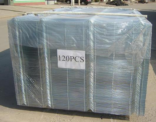 Factory Supply 2.5m*2m Powder Coated Welded Wire Mesh Fence with 5mm Wire in Good Quality