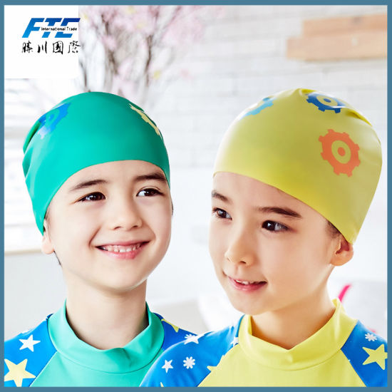 Children Silicone Flexible Waterproof Ear Protection Swim Cap pictures & photos