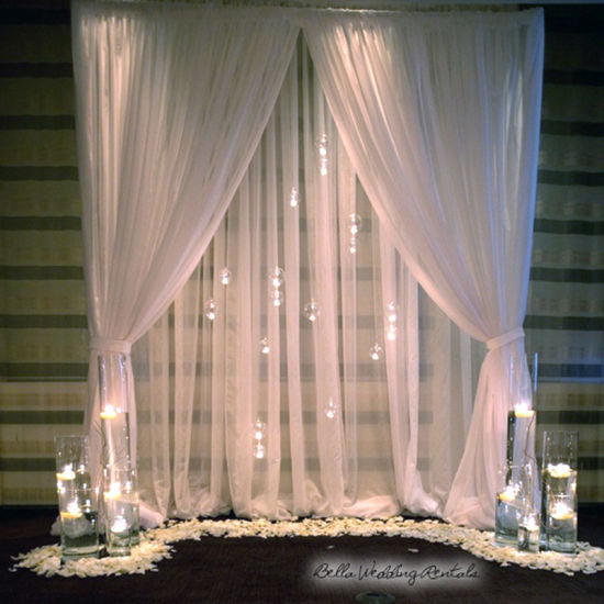 Backdrop Stand Pipe Hardware with LED Light Bar Behind Chiffon Drape pictures & photos