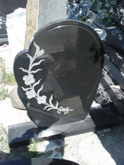Absolute Black Granite Tombstone Headstone and Monument pictures & photos