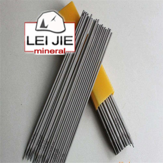Ccarbon Steel Graphite Electrode with Low Ash for Steel Making pictures & photos