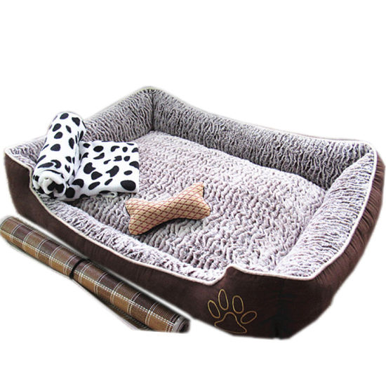 Customized Pattern Soft Plush Pet Dog Bed Pet House with Different Sizes pictures & photos