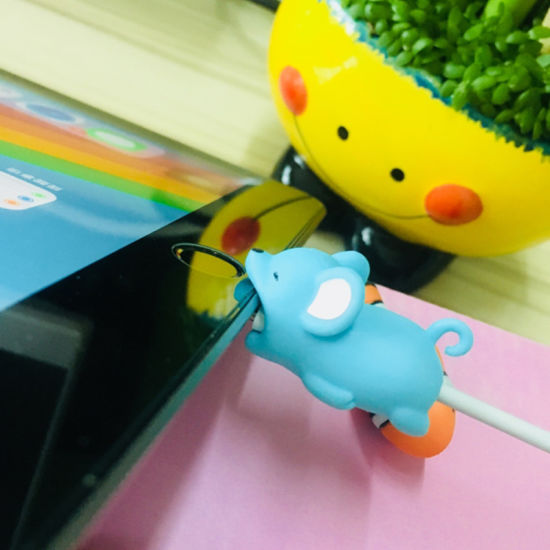 Digital Cables Lovely Cartoon Charger Cable Winder Protective Case Saver 8 Pin Data Line Protector Earphone Cord Protection Sleeve Wire Cover