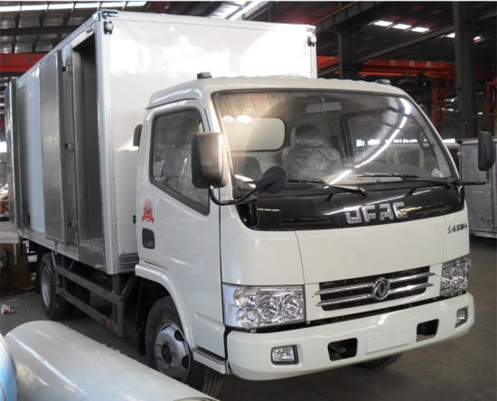 Cheap Price Chinese Manual 6cbm 6 Tons Refrigerator Cold Room Van Truck pictures & photos