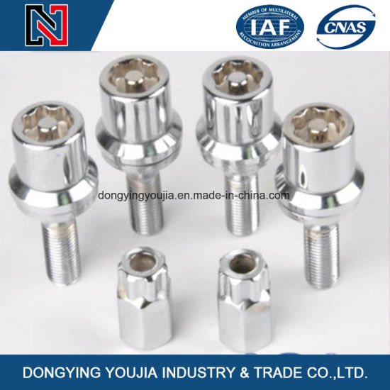 Stainless Steel Auto Part Wheel Hub Bolts with Good Quality pictures & photos