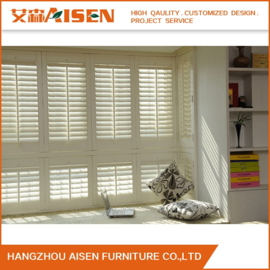 2019 Modern Roller White Roller Wood Window Plantation Shutters pictures & photos
