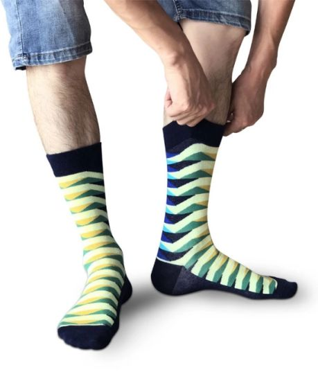 1552de51d16 Casual Harajuku Skate Hip Hop Colour Striped Happy Socks Men Cotton Crew  Socks Colorful Unisex Dress Happy Socks Set